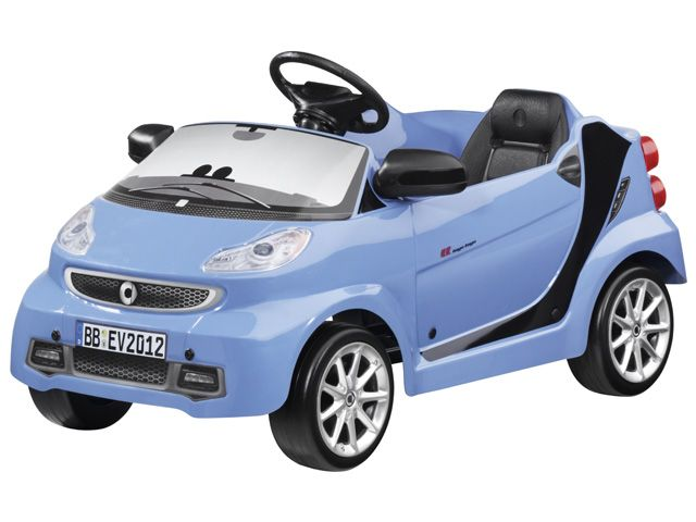 Smart children pedal car B66960144 Children's pedal car, light blue, smart fortwo with push pedal drive,  steel chassis with non-toxic paintwork, deep-drawn plastic body, ergonomically shaped seat,  spacious interior, horn, 2 rear-view mirrors, steering wheel true to the original,  rims true to the original, for children aged 3 and over, certified in accordance with EN, ASTM and CCC,  dimensions: approx. 98 x 50 x 40 cm, weight approx. 6.6 kg,  by ToysToys for Mercedes-Benz.