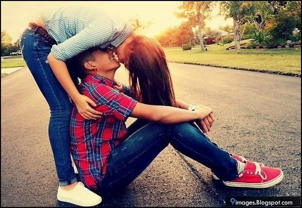 Cute+Couples+Kissing | Cute, couple, kiss, sunset, road, outdoor