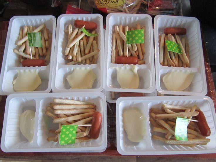 kleine soepstengeltjes=friet smeerkaas=mayonaise - leuke en gezonde traktatie voor kinderen