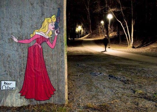 Street art : 3 princesses Disney en mode tueuses en série | MinuteBuzz