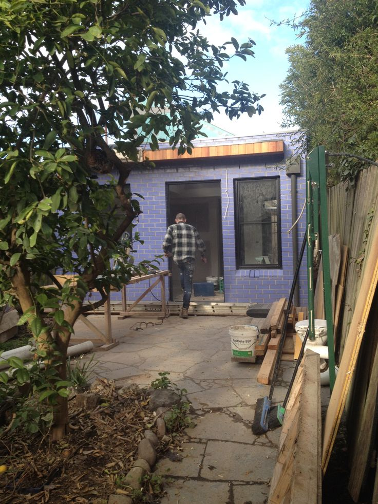 Architect Hewson's project in Northcote under construction in Euroa Glazed Bricks in 'Voilet'