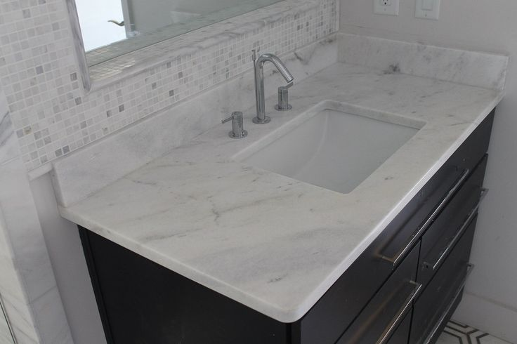 Shadow Storm Quartzite Bathroom In 2019 Marble Quartz