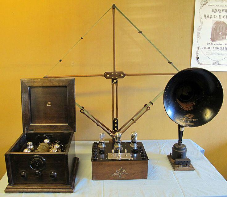 Radio d'epoca, primi apparecchi magnavox,
