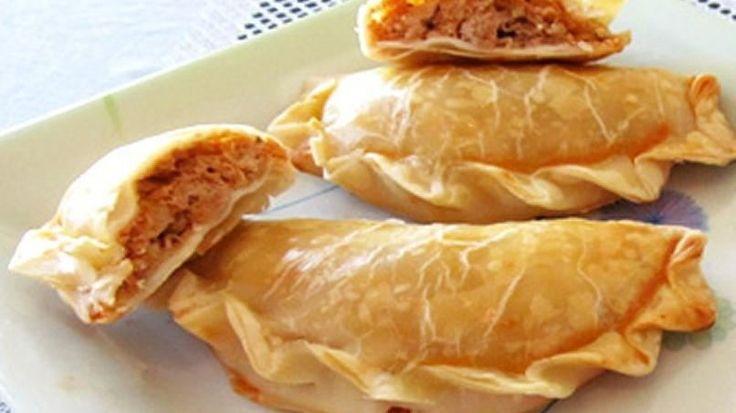 Empanadas de Atún. Tradicionales para Pascua, también conocidas como Empanadas de Vigilia en Argentina. #Receta