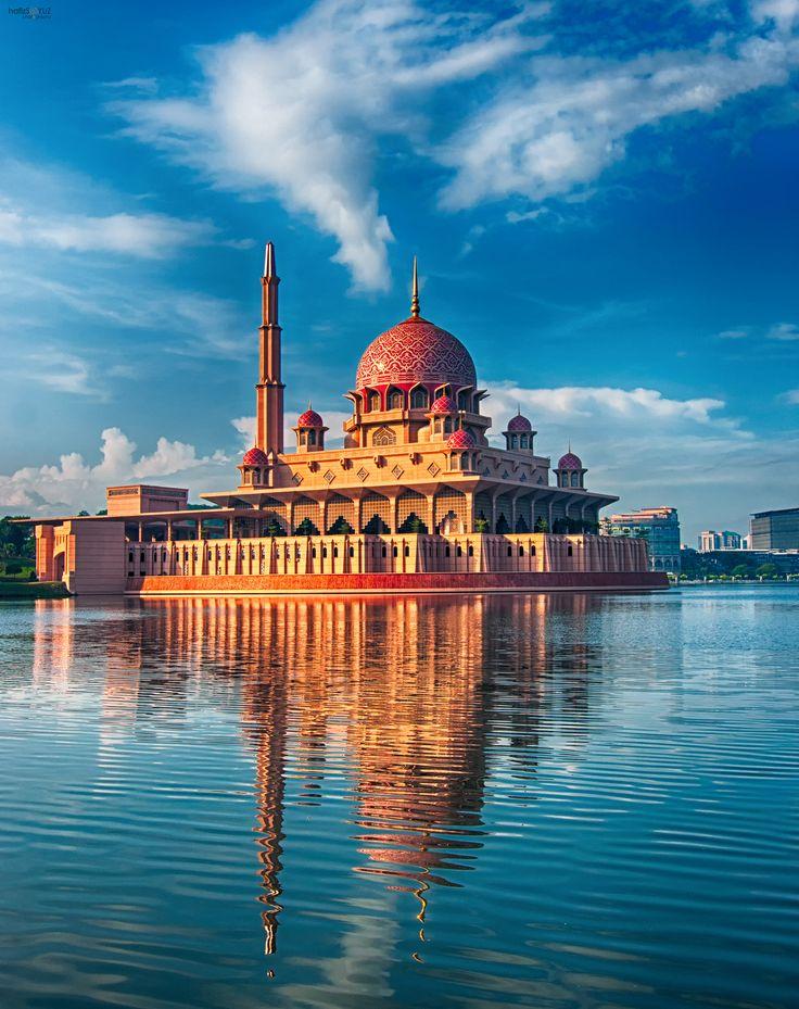 Putra Mosque Putrajaya , Malaysia