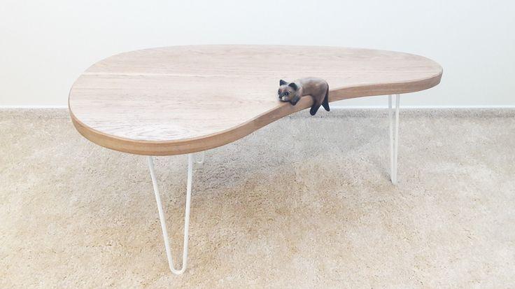Dubový retro kávový stolek
