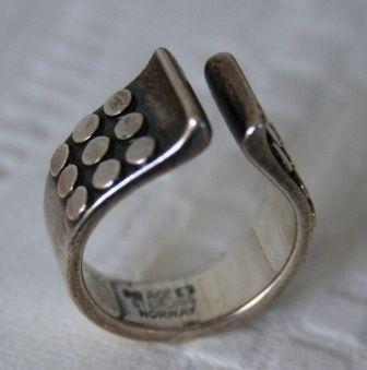 Modernistisk ring i sølv. Anna Greta Eker. Vintage