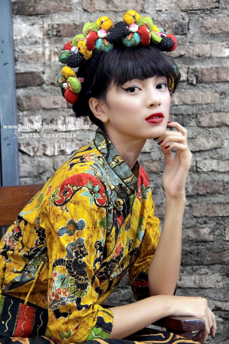 batik amarillis's joyluck jacket in handrawn batik wonogiren wayang series Ethnic inspired outfit to bring you Joy & Luck.. beautiful reinvention of classic Qipao with exquisite detailing such as color combos,handmade chinese frog button,fittingly beautiful & it provides the ideal combination of