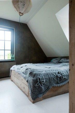 Slaapkamer met betonlook - Leem. Slaapkamer met muren van Leem    www.betonlookdesign.nl