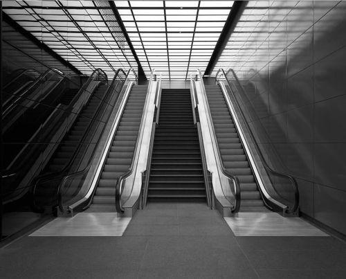 BRAIN 09 escalator - by brandpowder