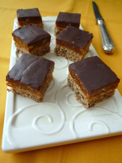Colors in the Kitchen: Snickers szelet