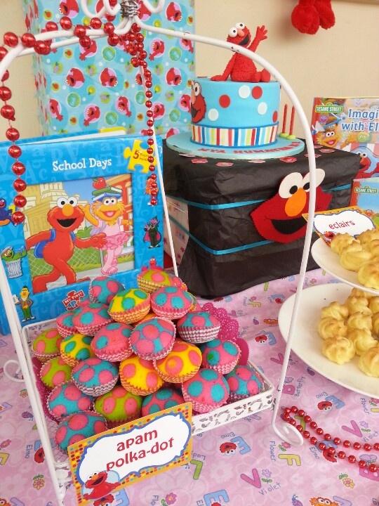 Colourful mini sponge cake