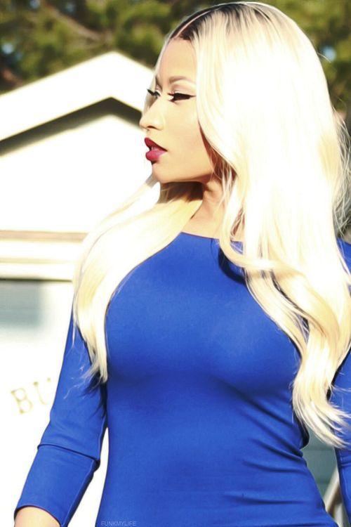 Nicki Manaj blue