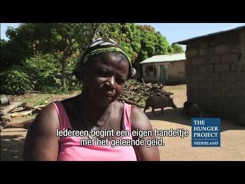 Videoportret van Céline Edjeou uit Beterou, Benin. Céline is een echte leider in haar gemeenschap. Behalve dat ze wekelijkse bijeenkomsten over gezondheid en gezinsplanning organiseert en verantwoordelijk is voor de kredietverlening, is ze ook lid van het lokale comité dat het epicentrum runt. Bijzonder, omdat traditioneel mannen de dienst uitmaken. Vrouwen komen nauwelijks aan bod en hebben geen toegang tot middelen.