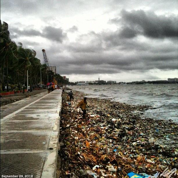 #マニラ湾 のお掃除作戦参加者募集中。Join us #manila #bay #cleaning #mission #japanese#filipino#firefighter#volunteer#philippines#フィリピン#ボランティア#消防団