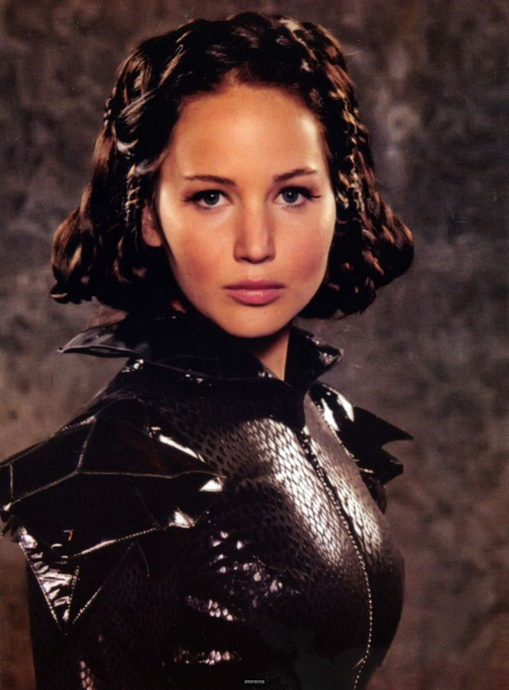 Jennifer Lawrence (Katniss Everdeen) - Official Hunger Games ...