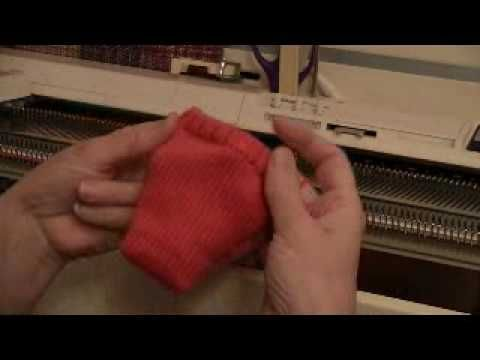 Single Bed Sew-As-You-Go Sock.flv - YouTube