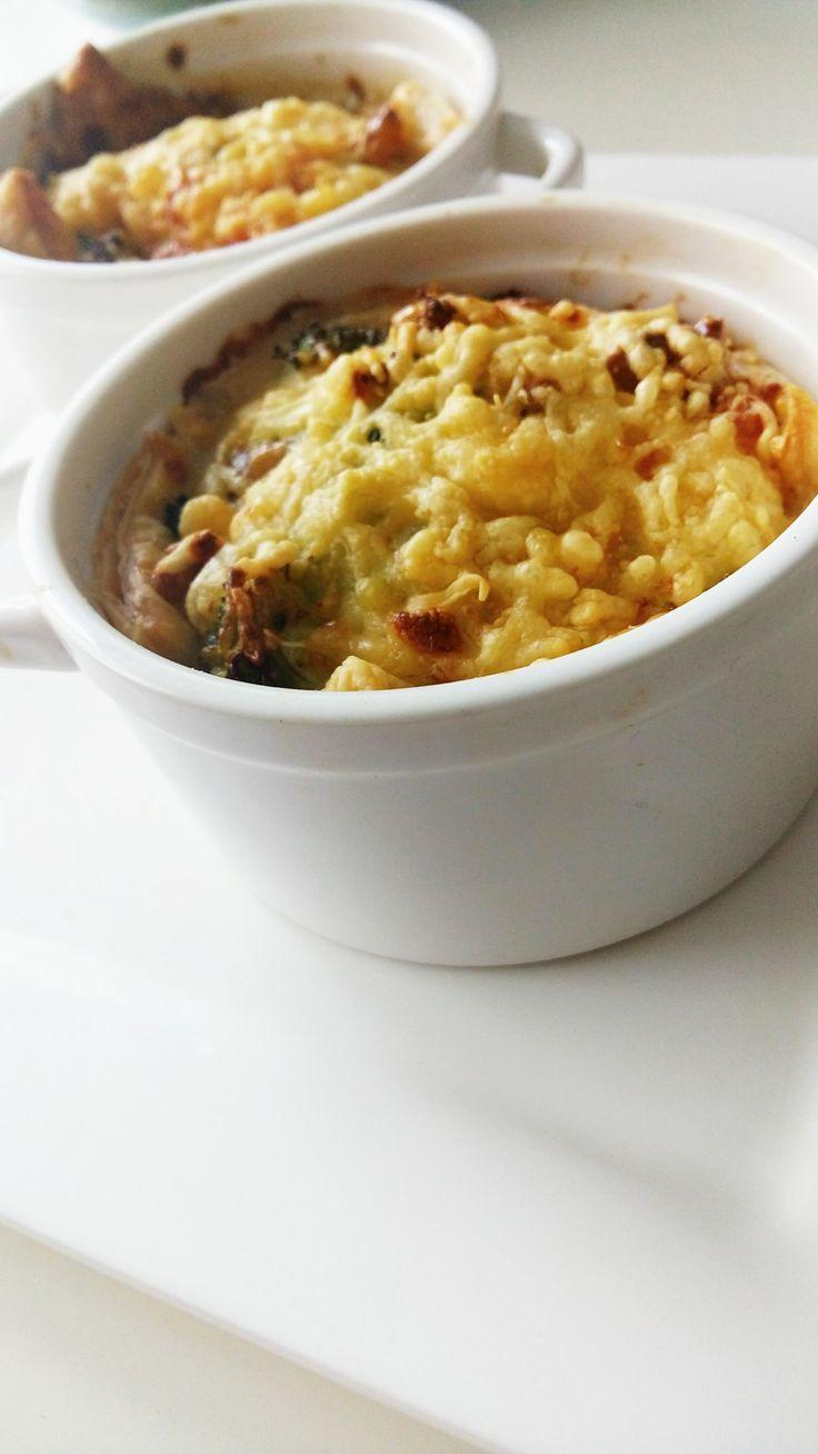 Broccoli zalm walnoot quiche, makkelijk en snel. Dit recept is geschikt voor in de airfryer of voor in de oven. Dit recept is geschikt voor 4 personen.