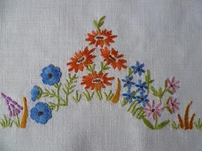 шикарный коттедж сад ~ ручной вышивкой centrepiece/mat