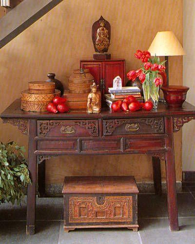 Rincón oriental para la casa. El rojo general buena energía con el dinero. El verde y la madera generan equilibrio. Tengo mi propio rincón oriental en casa!