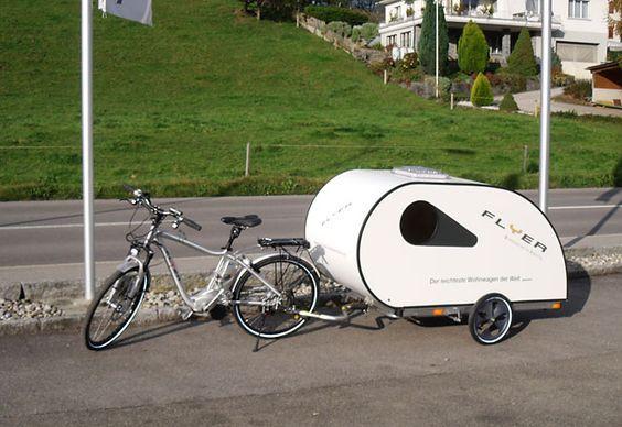 Der Flyer Ist Ein Spezieller Wohnwagen Für Fahrräder Und