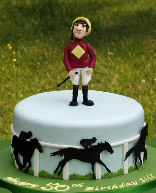 Horse Racing Cake by Kingfisher Cakes, via Flickr