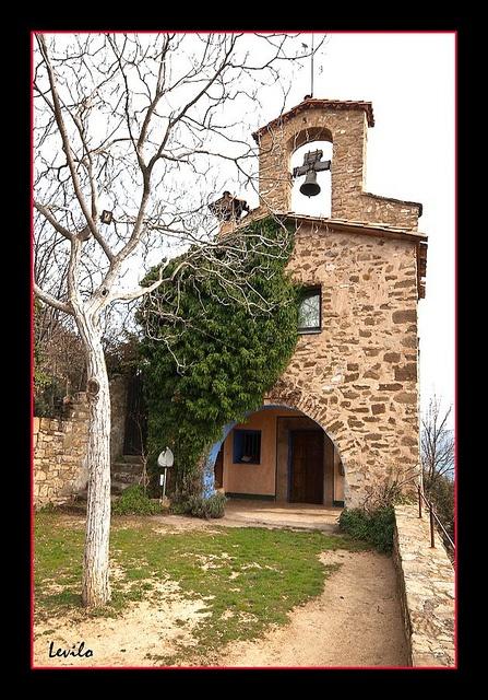 Ermita de la Verge del Cos - Montagut by levilo, via Flickr