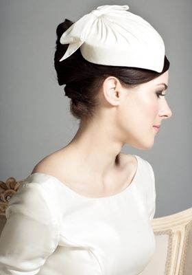 pillbox hat- rachel trevor morgan