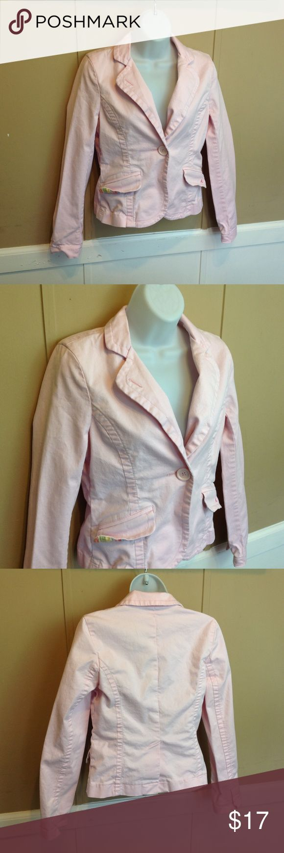 "American Eagle Pastel Pink Cropped Blazer Maker: American Eagle ♥ Material: 97% Cotton 3% Spandex ♥ Color: Pastel Pink ♥ Measured Size: Pit to pit- 17"" Pit to cuff-17"" Shoulder to waist-21""  ♥ Tag Size: Small ♥ Actual Size: Small PLEASE CHECK YOUR ACTUAL MEASUREMENTS TO MAKE SURE IT IS THE RIGHT SIZE! THANKS! ♥ Condition: Great ♥ Item #: (office use only) D    Follow us on Instagram and facebook for coupon codes!  INSTAGRAM-thehausofvintage1984 Facebook- intergalactic haus of vintage 1984 or…"