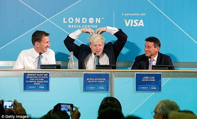Boris Johnson does the Mo-bot