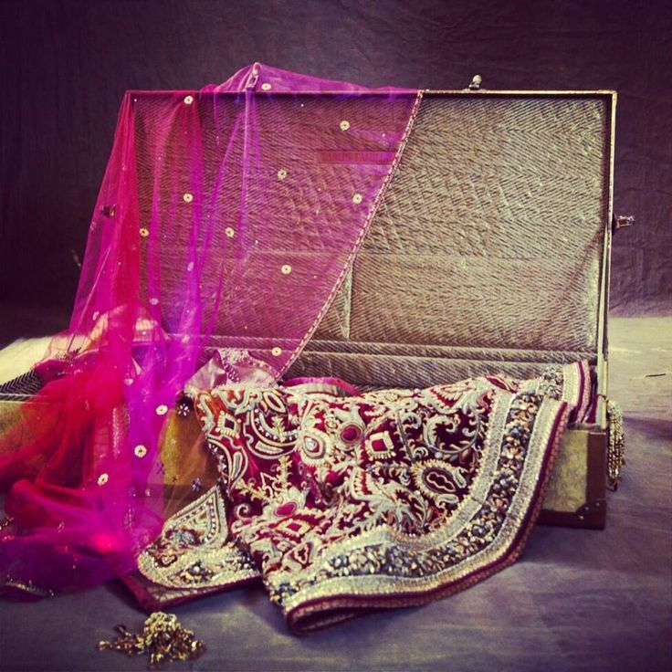 www.thewedding-hut.co.uk  Tarun Tahiliani