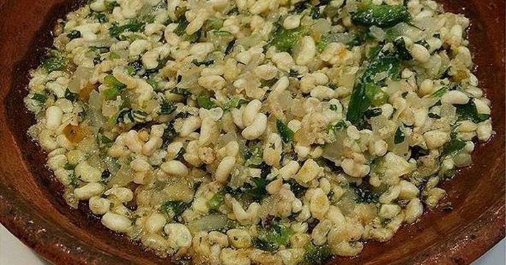 Fabulosa receta para Escamoles . Escamoles (huevo de hormiga). Los escamoles son llamados El caviar Mexicano. Es un platillo muy exclusivo y delicioso.
