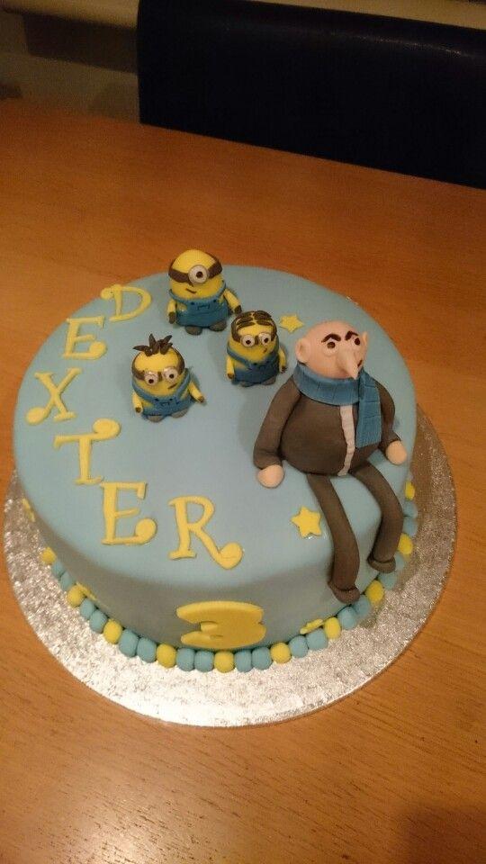 Gru minion cake