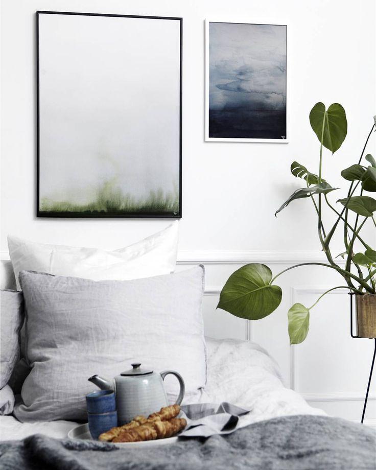 """Trine Holbaek på Instagram: """"Vågn op hver morgen med naturen ved din side  besøg  www.trineholbaekdesigns.dk og find dine favoritter til hjemmet  #trineholbaekdesigns #akvarel #indretning #kunst #artwork #art #nordicliving #nordiskæstetik #skandinaviskehjem #skandinaviskæstetik #boligmagasinetdk #detydre #homesickblog #boliginspiration #interior #interiordesire #interiordanmark #interior4all #indretning #decor #bedroom #soveværelse #chrichriinterior"""""""