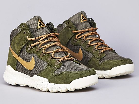 Camo Midnight FogMidnight Fog-Black-Matte Silver vapor sneaker ec287 3a7de   Nike Dunk High OMS - Light Green - Flight Gold - Medium Olive -  SneakerNews. ... 6a2fbf391996