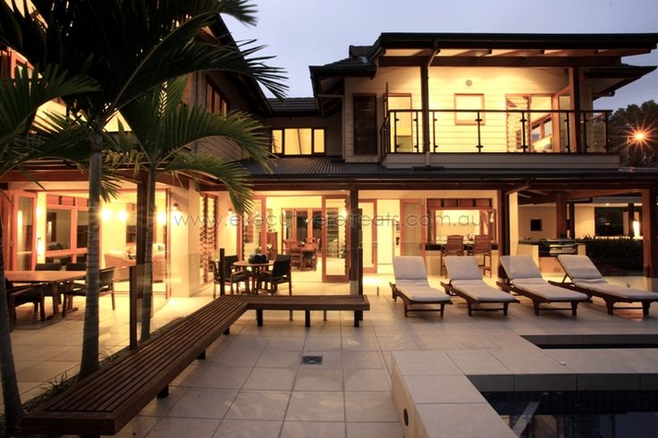 Queensland Holiday Houses.  Executive Retreats offer the best selection of holiday houses in Tropical North Queensland.  http://www.executiveretreats.com.au/ This is The Four Mile Beach House.