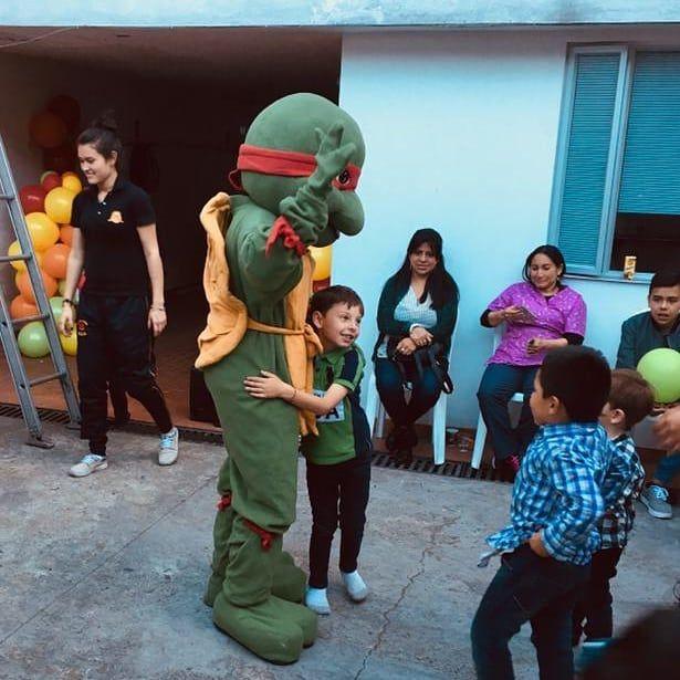 Muñecos y personajes para fiestas 3203932149 #fiestasinfantilesbogota #fiestasinfantiles #recreacionistasbogota #muñecos #saltarines