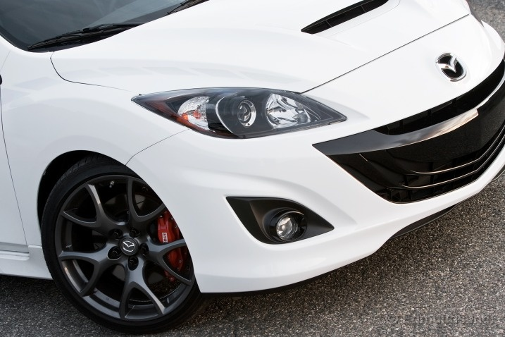 Mazda 3 sport b.... okay im obsessed #CaliperPaint or #CaliperCovers? Which do you prefer? Check out our selection here:http://www.rvinyl.com/Caliper-Covers.html