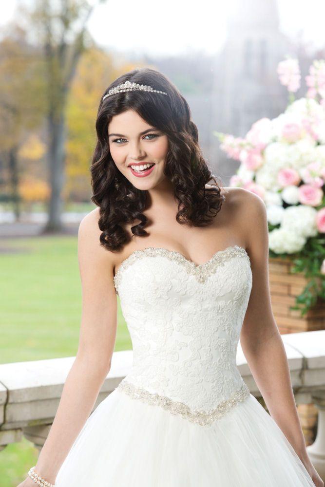 Romantische trouwjurken | Collectie Bruidsmode | Ann & John bruidsmode - Trouwjurken - Bruidsjurken