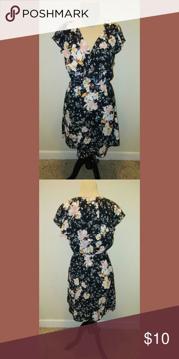 48 HOUR SALE Charlotte Russe floral dress Navy floral dress by Charlotte Russe. 100% polyester.  CR0301 Charlotte Russe Dresses Midi
