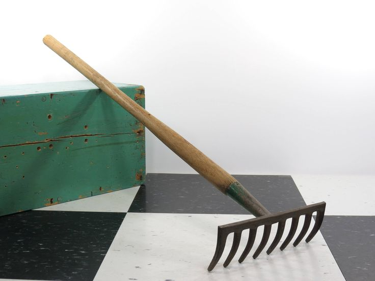 https://www.etsy.com/13thstreetemporium/listing/559031544/vintage-small-garden-rake-8-tine-level?ref=shop_home_active_4  Now available in my #Etsy shop,#13thStreetEmporium. Useful old #garden tool.  #oldgardenrake #vintagegardenrake #oldgardentool #raisedbedrake #vintagegardening