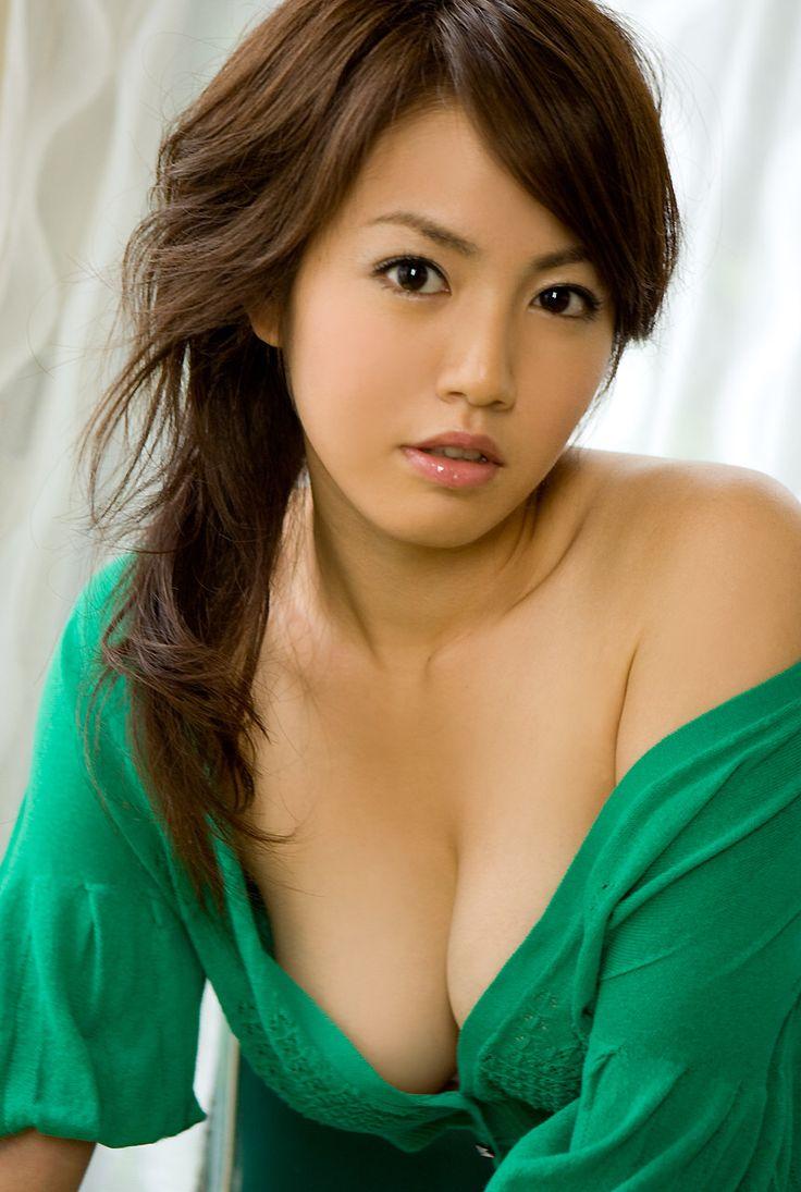 Sayaka ISOYAMA 02