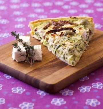Photo de la recette : Tarte méditerranéenne aux courgettes, feta et olives