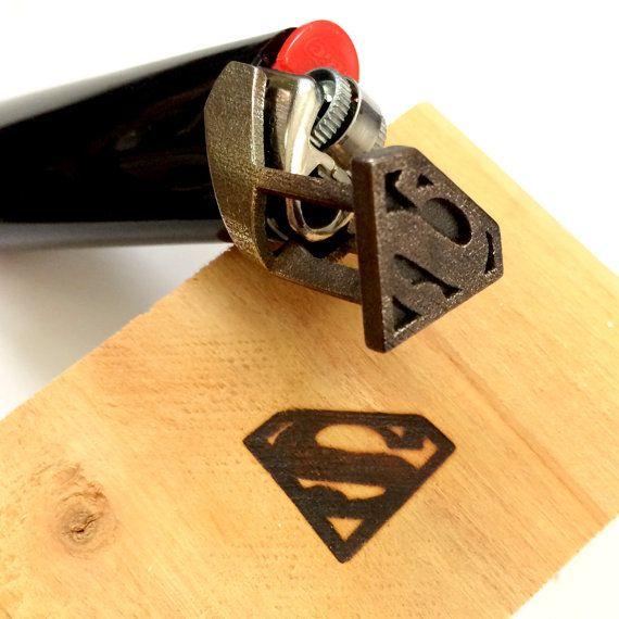 Superman-Brandeisen einzigartige Comic Geek Geschenk von niquegeek