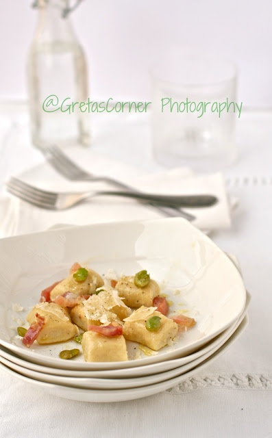 Ricotta gnocchi with bacon and broad beans