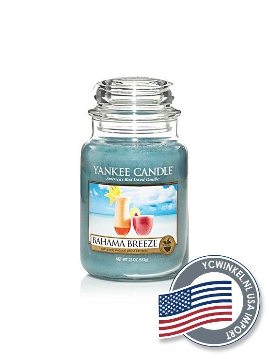 Yankee Candle Bahama Breeze geeft je het gevoel dat je bij de oceaan zit met een zomerse cocktail in je hand. Een frisse geur met tropische tonen van ananas, grapefruit en mango. Large Jar  De Yankee Large Jar heeft tot wel 150 branduren en worden geleverd in de kenmerkende klassieke glazen pot.  Deze Yankee Candle potten passen in ieder interieur.  Denkt u eraan om de lont kort (3 mm) te houden, hierdoor gaat de Yankee Candle kaars niet walmen en gaat hij langer mee!  USA Import  Dit…