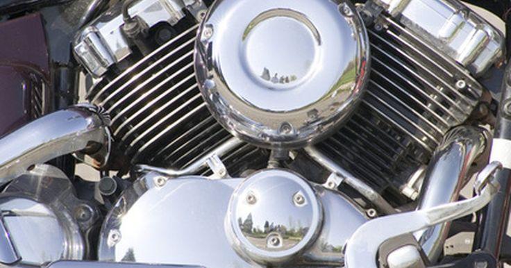 ¿Puede el aceite negro dañar tu vehículo?. El aceite de motor asegura que el motor de tu vehículo funcione correctamente y te ofrezca un transporte confiable. El aceite debe ser cambiado de acuerdo con las instrucciones del fabricante para un rendimiento y una longevidad óptima.