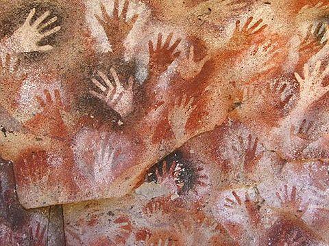 人類最古の洞窟壁画を描いたアーティストの多くは実は女性だったと判明 | BUZZAP!(バザップ!)