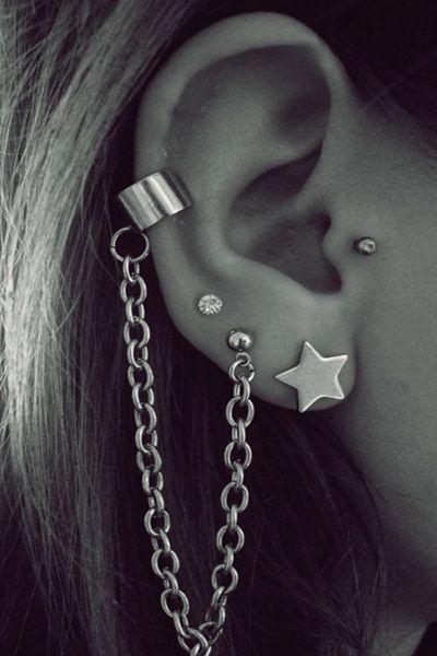 50 Unusually Cute Ear Piercings For Every Fashionista