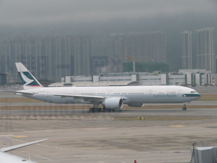 https://flic.kr/p/24VWMbE | b-kqu | type: Passenger jet airlines: Cathay pacific manufacturer: Boeing Boeing 777 777-300 777-300ER 777-367ER 77W 77H F   C    W   Y    Total 6   53   34  182  275 2x GE GE90-115B MSN: 42145 line: 1263 first flight: 05 dec 2014 production site: everett(pae) Delivery date: 19 dec 2014 flight: CX830 to new york(JFK)